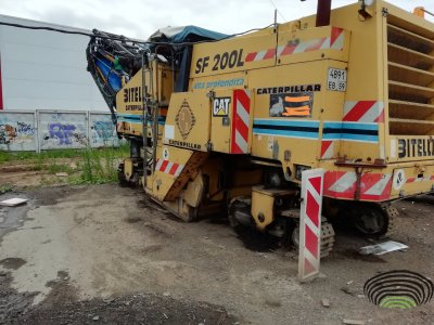 Дорожная фреза Caterpillar SF 200 L год выпуска 1998